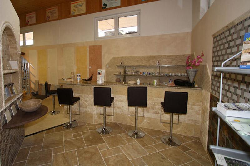 natursteinausstellung innenbereich von hammerl baustoffe. Black Bedroom Furniture Sets. Home Design Ideas